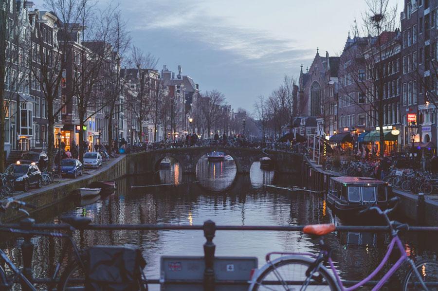 Bosuilenkasten in Amsterdam